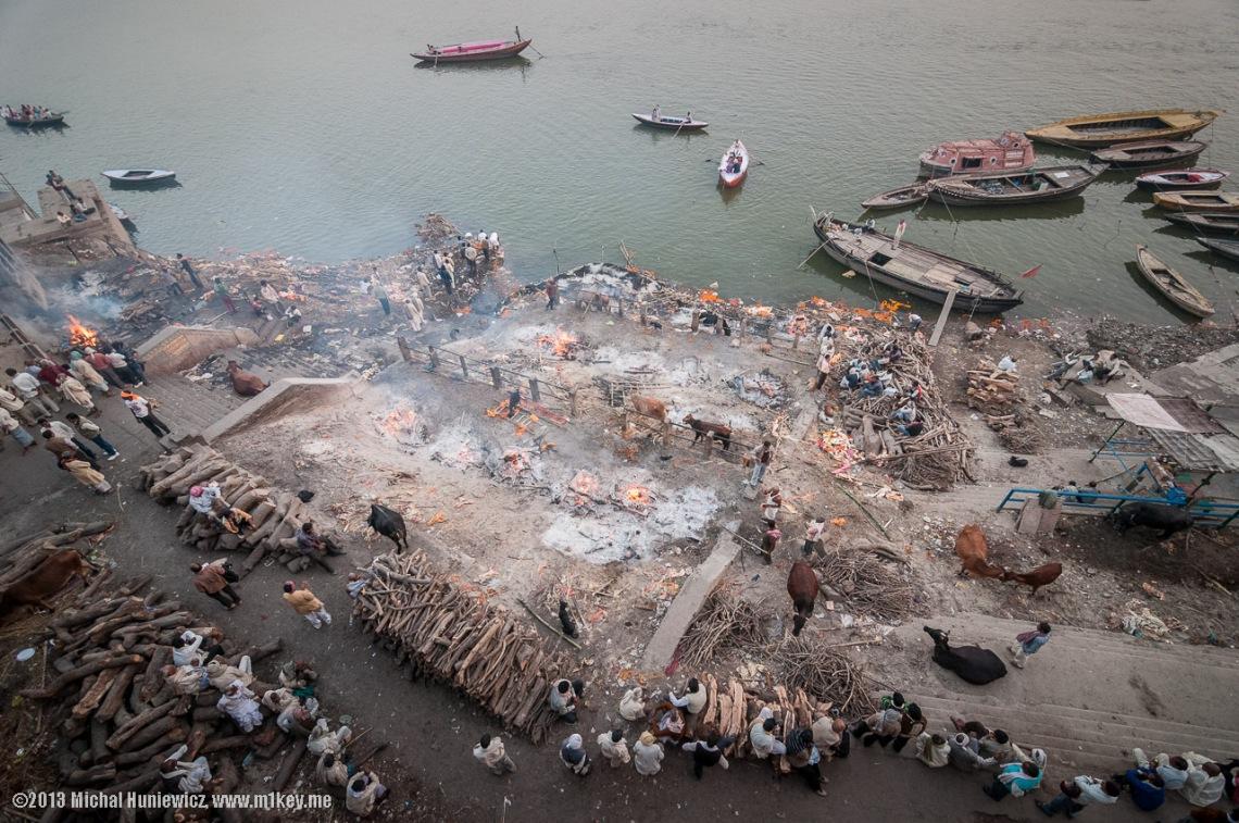 Manikarnika Ghat cremation site at Varanasi, photograph by Michal Huniewicz